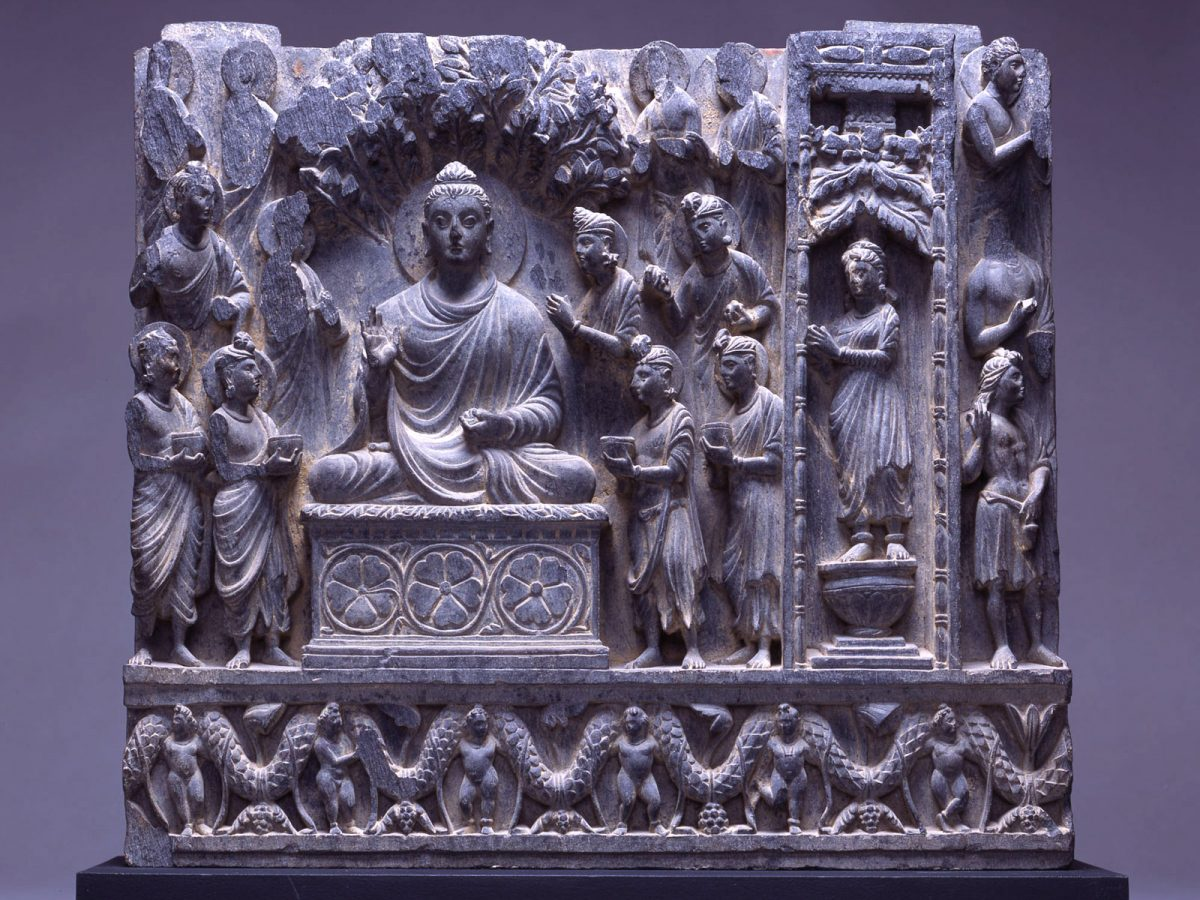 Sculpture of The Offering of the Four Bowls to Buddha