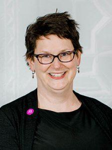 Headshot of Carolyn Allmendinger